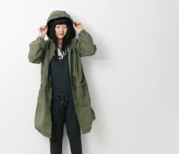 Safari Hooded Jumper - black only 98000 ---> 69800-- only red cat's