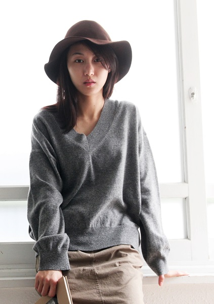 SALE - V necked wool knit - 45800 -> 28000