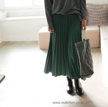 I love the pleated skirt material -3Color--