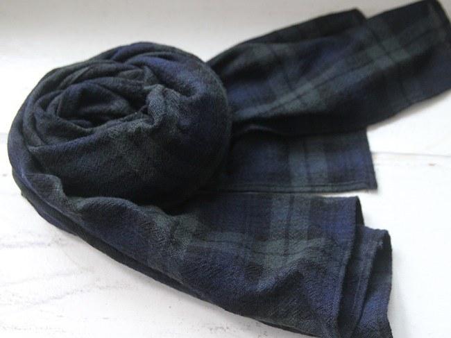 Wool check muffler