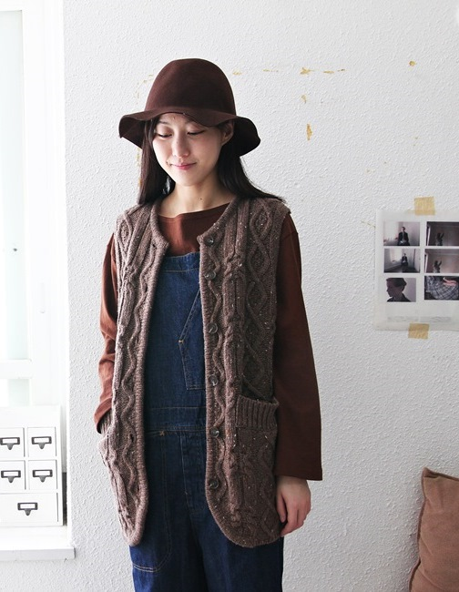 Luxurious woolen vest-2Color