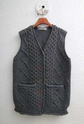 A luxurious fake cowhide vest -Charcoal