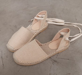 Sale-natural shoes-model wearing shoes 240 43800-> 15000
